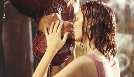 【 サム・ライミ版 】スパイダーマンの超有名キスシーン、トビー・マグワイアは半分溺れていた